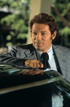 James MacArthur, the star of TV show Hawaii died today at age had a long and prolific career in stage, film and television, and played Danny 'Danno' Williams on Hawaii Child Actresses, Actors & Actresses, James Macarthur, Helen Hayes, 1970s Tv Shows, Hollywood Photo, Celebrity Deaths, Hawaii Five O, Thanks For The Memories