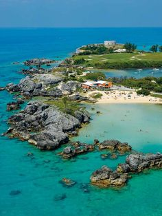 One of Bermuda's most popular beaches, Tobacco Bay Beach is tourist friendly, with lots of facilities like equipment rentals and a snack bar. Description from pinterest.com. I searched for this on bing.com/images
