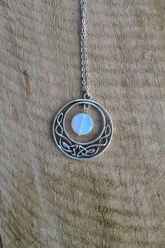 Keltischer Mond Halskette Opalit Münze Halskette Keltischer