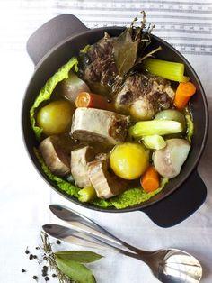 poivre, Viandes, Viandes, Viandes, poireau, clou de girofle, bouquet garni, oignon, ail, os à moelle, carotte, gros sel, céleri