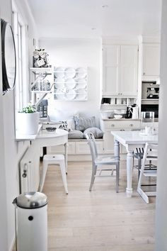 White Scandinavian kitchen from House of Philia blog