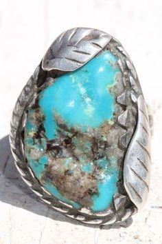 Vintage Southwestern Tribal Sterling Silver & Fine Natural Turquoise Ring