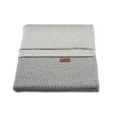 Bettwäsche Robust grau  - Material: 40% Baumwolle, 60% Acryl  - Maße: 100 x 135 cm  - Farbe: grau  - Maschinenwäsche: bei 40 °C