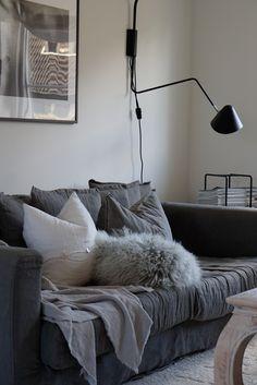 Scandinavian Home, Throw Pillows, Bed, Instagram, Home Decor, Toss Pillows, Decoration Home, Stream Bed, Room Decor