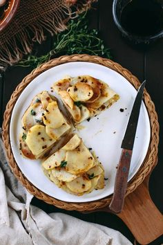 Recipe: Crispy Potato Cake with Garlic and Thyme