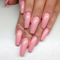 I am not fond of this shape of nail, but these look very, very nice.