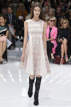 Dior RTW Spring 2015 - Slideshow - Runway, Fashion Week, Fashion Shows, Reviews and Fashion Images - WWD.com