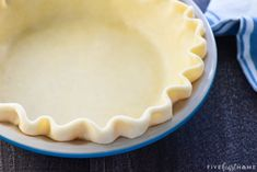 This flaky, tender, All-Butter Pie Crust is unbelievably EASY to make from scratch with a few tricks and tips and just FOUR ingredients! Best Pie Crust Recipe, Easy Pie Crust, Homemade Pie Crusts, Pie Crust Recipes, Easy Puff Pastry Recipe, Apple Pie Recipe Easy, Apple Pie Recipes, Bread Recipes, Pie Crust With Butter