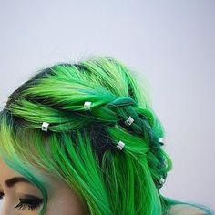 via hair в 2019 г. dyed hair, hair и Dye My Hair, Ombré Hair, Pelo Multicolor, Twisted Hair, Alternative Hair, Coloured Hair, Hair Beads, Hair Images, Cool Hair Color