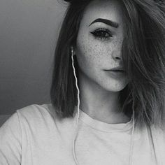 hey.. my name is Lydia.. im 19, and I can be very shy.. But I love makeup, and fashion.. that's it..