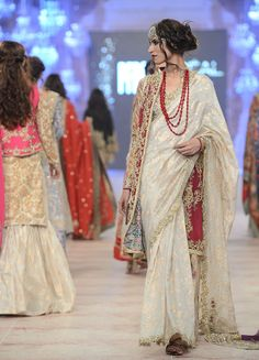 The PFDC L'Oreal Paris Bridal Week 2014 had some of the best bridal looks of the season. From anarkalis to shararas take a look at all it all right here. Pakistani Fashion Casual, Abaya Fashion, Pakistani Outfits, India Fashion, Ethnic Fashion, High Fashion, Pakistani Clothing, African Fashion, Dress Indian Style