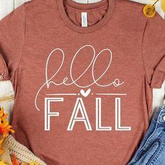 Cute Shirt Designs, Autumn T Shirts, Jesus Shirts, Fall Accessories, Vinyl Shirts, Hello Autumn, Fall Sweaters, Cricut, Diy Shirt