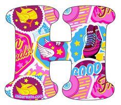 Compartimos en MiBarquito, un nuevo abecedario de Soy Luna, para imprimir y decorar lo que más te guste. Para aprender las letras será espectacular darle el tamaño que desees y luego practicar con … Alphabet Letters Design, Son Luna, 8th Birthday, Lettering Design, Birthday Party Invitations, Skate, Alice, Baby Shower, Disney