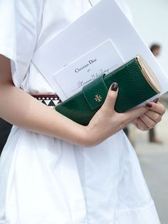 Fall 2013 Couture Week Street Style: Emerald green clutch