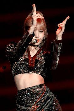Lisa Lalisa Manoban Blackpink Live performance Lisa Blackpink [lalalalisa_m] Kpop Girl Groups, Korean Girl Groups, Kpop Girls, Boy Groups, Jennie Blackpink, Blackpink Lisa, Little Mix, K Pop, Rapper