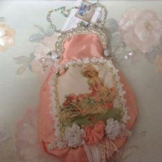 Victorian pink clasp purse with image of by cindysvictorian