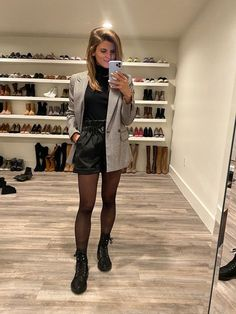 winter outfit leather paper bag shorts tights combat boots with blazer and turtleneck Winter Shorts Outfits, Tights Outfit Winter, Tights And Boots, Dress Up Outfits, Shorts With Tights, Cute Winter Outfits, Mode Outfits, Short Outfits, Fall Outfits