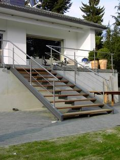 treppe f r draussen haus aussentreppe treppe au en und hauseingang treppen