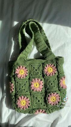 Mode Crochet, Diy Crochet, Crochet Crafts, Yarn Crafts, Crochet Projects, Crochet Bag Tutorials, Crochet Case, Crochet Shirt, Crochet Crop Top