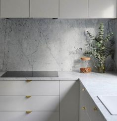 New kitchen ikea veddinge grey Ideas Kitchen Ikea, Kitchen Interior, Kitchen Decor, Kitchen White, Minimal Kitchen, Kitchen Modern, Marbel Kitchen, Ikea Kitchen Design, Interior Design Minimalist