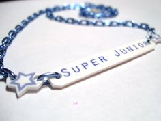 Super junior necklace Cute Jewelry, Super Junior Kpop, Leeteuk, Clothing Items, Korean Pop Group, Kpop Fashion, Awesome, Goodies, Reading