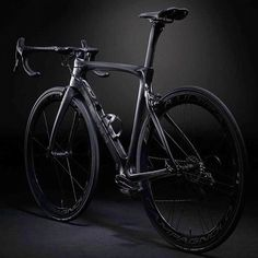 New Pinarello F10 'pretty car' by modcyclingphoto