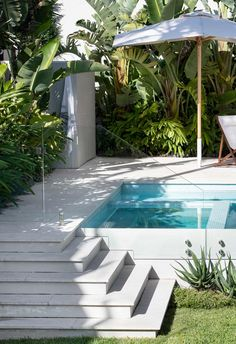 Backyard Pool Designs, Small Backyard Pools, Small Pools, Swimming Pools Backyard, Ponds Backyard, Garden Pool, Backyard Landscaping, Landscaping Ideas, Tropical Pool