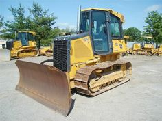 Are you looking for an #Used_Deere #Dozer machinery? Search our extensive database to have a best #dozer_machinery for you. We have hundreds of Dozers available in good condition and all parts are as good as new just for $89000 contact our verified dealers immediately. http://www.heavy-machinerytrader.com/used-machinery/2007/dozer/deere/650j/lt/925/