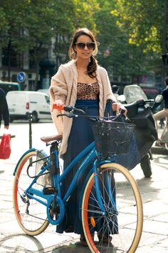 ALLINE CURY  Fashion Journalist  -H Top  -Zara Dress  -Topshop Shoes  -Chanel Bag