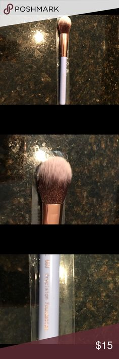 New Luxie precision foundation brush. New Luxie precision foundation brush. New with packaging luxie Makeup Brushes & Tools