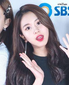 [161127 드림콘서트 레드카펫] Elegant Chaeng✨ #chaeyoung #채영 #twice #트와이스 #PrettyRapstarChaeyoung