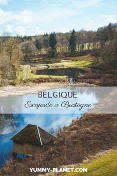 Surtout connue pour ses vestiges de la seconde guerre mondiale, Bastogne, en Belgique, propose également une foule d'activités nature. #Belgique #voyage #nature Week End En Europe, Road Trip, Voyage Europe, Home And Away, Belgium, Planets, Mountains, City, Travel Ideas