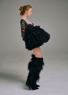【SPUR】どこまでも甘く繊細な黒をまとう | 【Saint Laurent】彼女は異国の夢を見る Nice Body, Tulle, Ballet Skirt, Skirts, Black, Fashion, Moda, Tutu, Skirt