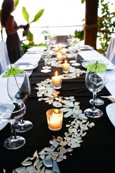 Faux shattered glass creates depth for table designs #eventprof #specialevents #tabledesign