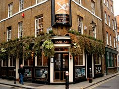 I want to go back to London someday simply to do a pub crawl... they are all beautiful, cozy and romantic (weird, I know!) to me :-)