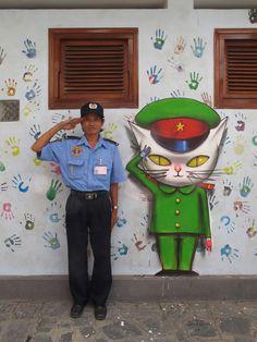 Check out urban artist Seth Globepainter's collection of street art murals from all over the world on Mr Pilgrim graffiti art online 3d Street Art, Amazing Street Art, Street Art Graffiti, Street Artists, Art Du Monde, Art Français, Urbane Kunst, Graffiti Artwork, French Street