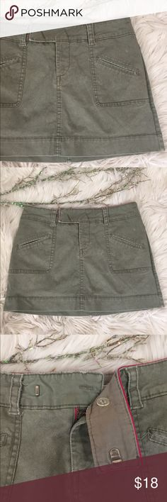 """🦅 A.E. Mini Skirt 🦅 America Eagle Outfitters Mini Skirt. Previously Loved but in Great Condition. Very Cute & Versatile for many Casual Looks for Summer Heading into Fall. 4 Pocket Design. 1.5"""" Belt Loops. Button and Slide Clasp Waist Closure.                                                            •Length 12.5""""                                                                      •Waist 14"""" American Eagle Outfitters Skirts Mini"""