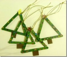 A Homeschool Journey made these Christmas tree crafts using popsicle sticks.A fun preschool Christmas craft project.We offer a variety of Christmas crafts from our very popular 'decorationsTo … Kids Crafts, Easy Christmas Crafts For Toddlers, Preschool Christmas Crafts, Toddler Christmas, Christmas Activities, Christmas Crafts For Kids, Craft Stick Crafts, Toddler Crafts, Holiday Crafts