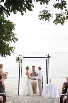 beach wedding ceremonies - photo by Katherine Stinnett Photography - via http://ruffledblog.com/guanacaste-destination-wedding