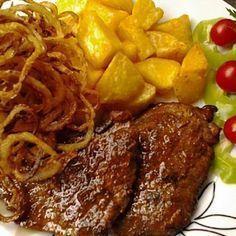 Mustáros sertésszelet sült hagymával - MindenegybenBlog Hungarian Cuisine, Hungarian Recipes, Hungarian Food, Meat Recipes, Dinner Recipes, Recipies, Pork Dishes, Sweet And Salty, Food 52