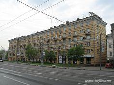 А. Буров, Б.Блохин. Жилой дом из крупных блоков. Б. Полянка, 4.