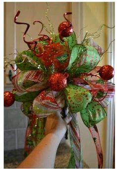 55 Beautiful Christmas Tree Topper Ideas or bridal bou quet Noel Christmas, Primitive Christmas, Christmas Tree Toppers, Christmas Projects, All Things Christmas, Winter Christmas, Holiday Crafts, Holiday Fun, Christmas Wreaths