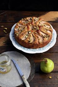 All that Glisters is not Gold: Honey, Pear and Pistachio Cake