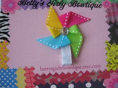 Original Ribbon Pinwheel Clippie could do in diff holiday colors. Ribbon Hair Clips, Hair Ribbons, Diy Hair Bows, Diy Ribbon, Ribbon Crafts, Ribbon Bows, Gift Wraping, Hair Bow Tutorial, Ribbon Sculpture