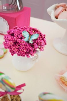 Parte do jardim da borboleta via Idéias do partido de Kara   Kara'sPartyIdeas.com #Butterflies #Shower #Idea #Supplies #Vintage (35)