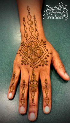 zentangle style henna www.jamilahhennacreations.com