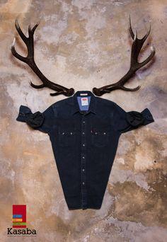 Yeni yıl geyikleri çoktan başladı! Sen yılbaşında ne giyeceksin?  @levisbrand  Erkek Jean Gömlek 159,99 TL  #KASABAdayeniyil #yilbasi #yeniyil