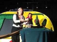 """Imagen del espectáculo de teatro escolar """"Caperucita Roja"""" para educación infantil y primer ciclo de primaria. http://www.transeduca.com/obra-caperucita-roja-352-es"""