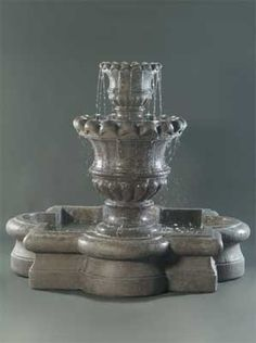 Scallop Urn Outdoor Fountain with Quatrefoil Basin Front Yard Fountains, Indoor Water Fountains, Garden Fountains, Outdoor Planters, Outdoor Decor, Concrete Garden, Garden Accessories, Quatrefoil, Urn