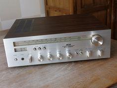 Vintage AKAI Receiver AA-1020L